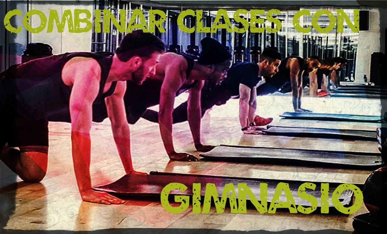 Combinar clases colectivas con las pesas y el trabajo de fuerza