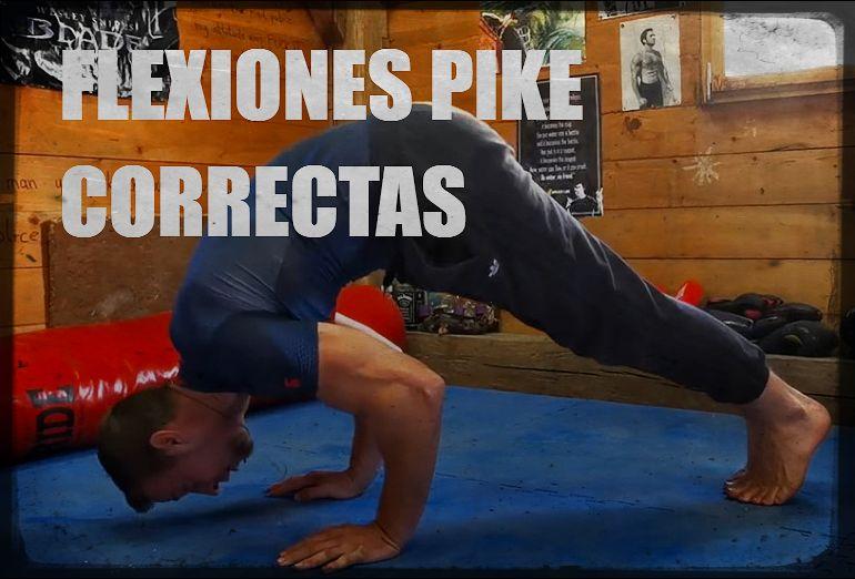 Pike push ups en una forma correcta
